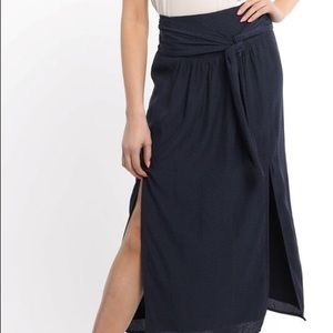 NWT Chevron Slide Slit Skirt